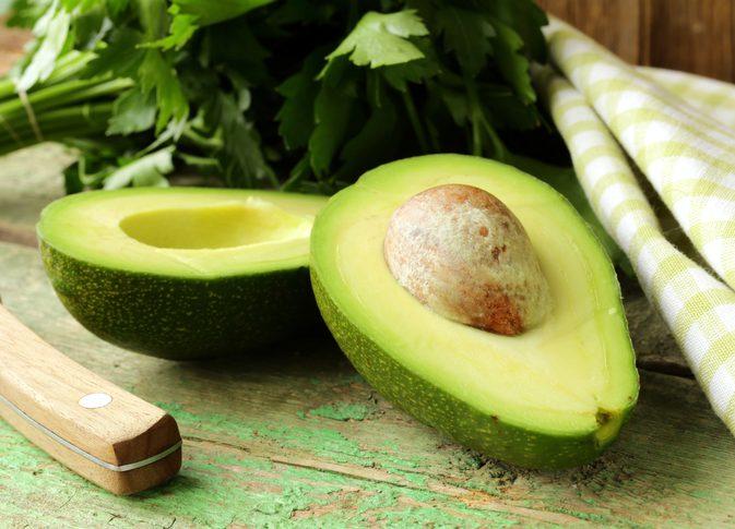 Авокадото е суперхрана и с висока алкалност, което го прави идеално при подагра